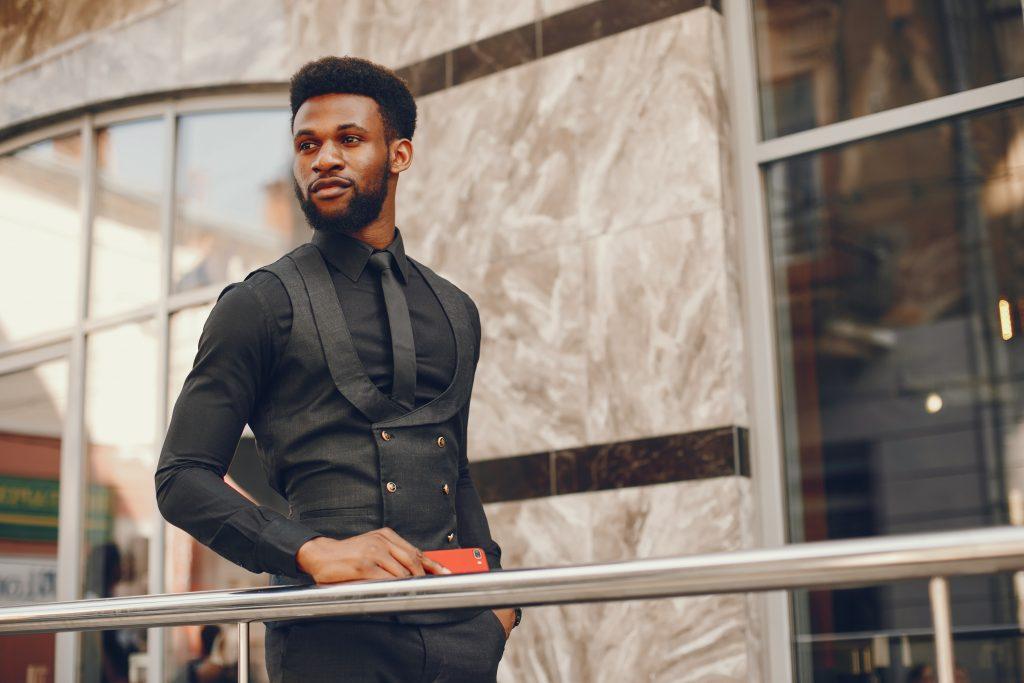 Esempio outfit uomo elegante 1024x683 - Outfit Uomo Business Elegante e Casual