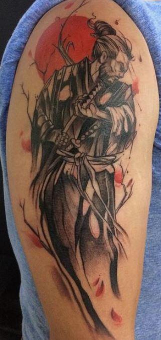 Foto Tatuaggio sul braccio di un Samurai guerriero - Tatuaggio Uomo Samurai