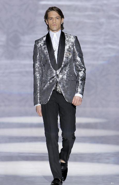 Abito da sposo con giacca silver sfilata Carlo Pignatelli 2020 - Abiti da Sposo 2020 Carlo Pignatelli