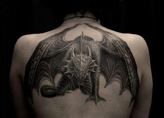 Tatuaggi Drago per uomo Foto e Significato - Tatuaggio Drago Uomo: Foto e Significato