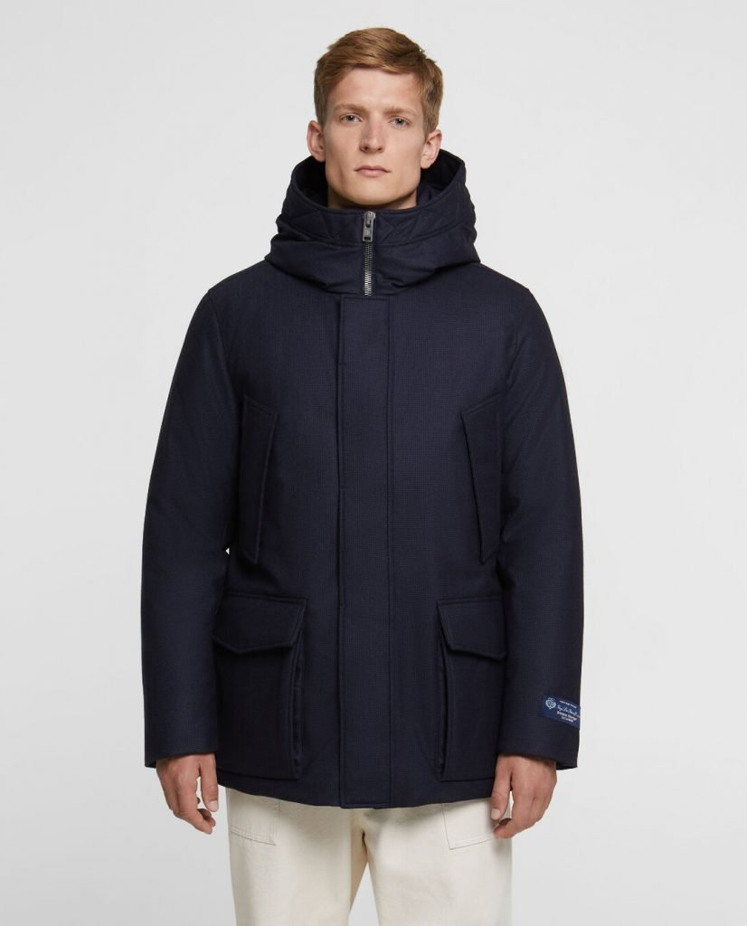Mountain parka Woolrich uomo colore pied de poule blue prezzo 980 euro 826x1024 - Parka Woolrich Uomo Inverno 2019 2020