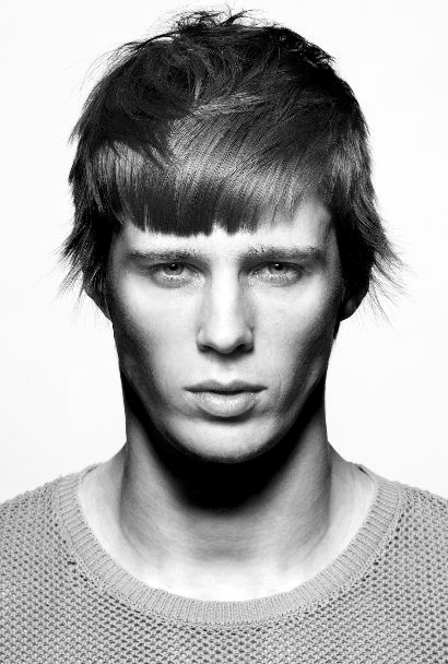 Taglio capelli uomo corto con frangetta inverno 2019 2020 - Tagli Capelli Uomo Moda Inverno 2020