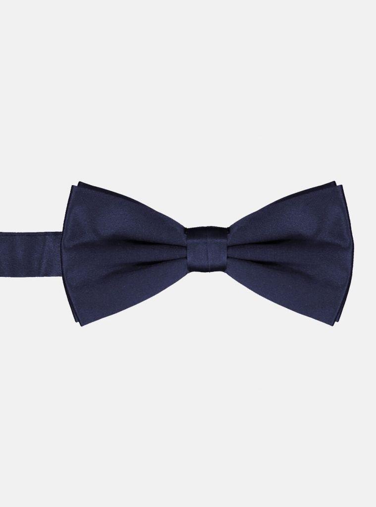 Papillon in seta blu navy 759x1024 - Abito Smoking da Uomo per Capodanno 2020