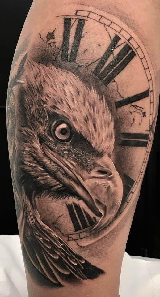 Idea tatuaggio con Aquila e Orologio - Tatuaggio Maschile Aquila: Significato e Immagini