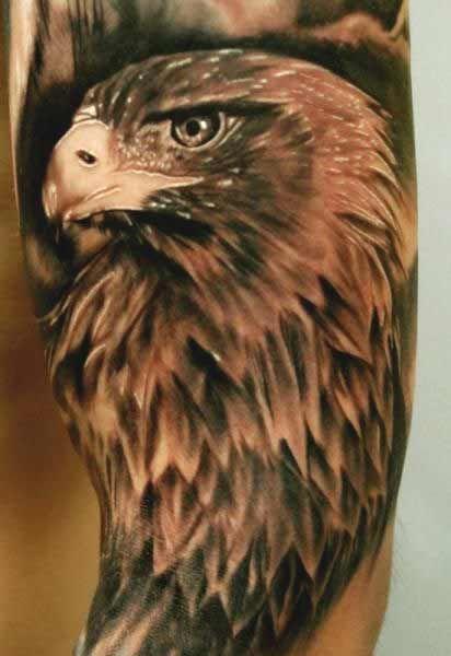 Immagine Tatuaggio Aquila colorata - Tatuaggio Maschile Aquila: Significato e Immagini
