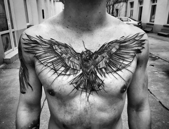 Tatuaggio maschile immagine Aquila sul petto - Tatuaggio Maschile Aquila: Significato e Immagini
