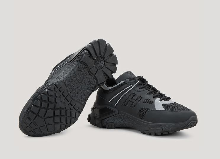 Nuove sneakers Urban Trek Hogan Uomo nere primavera estate 2020 - Nuove Sneakers HOGAN Uomo Urban Trek Primavera Estate 2020