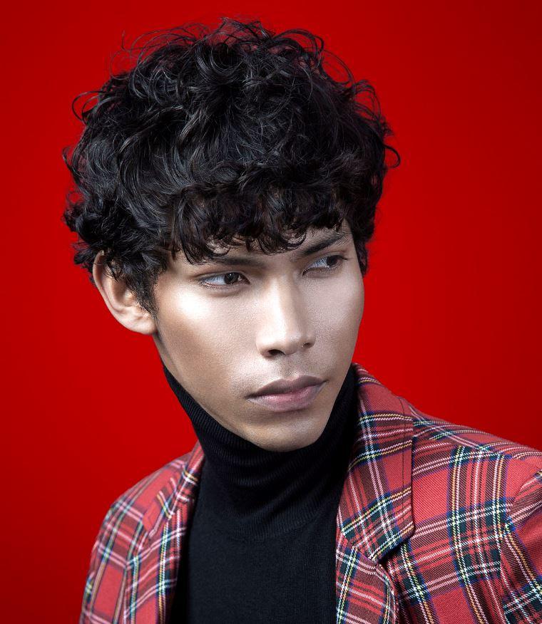 Taglio capelli corti ricci moda uomo 2020 - Tagli Capelli Uomo Moda 2020