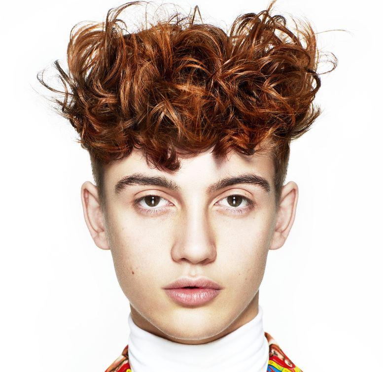 Taglio capelli uomo rasati ai lati 2020 - Tagli Capelli Uomo Moda 2020