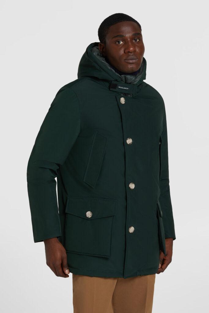 Arctic Parka Woolrich inverno 2021 uomo nuovo colore Dark Holly Green 683x1024 - Woolrich Parka Uomo Inverno 2020 2021