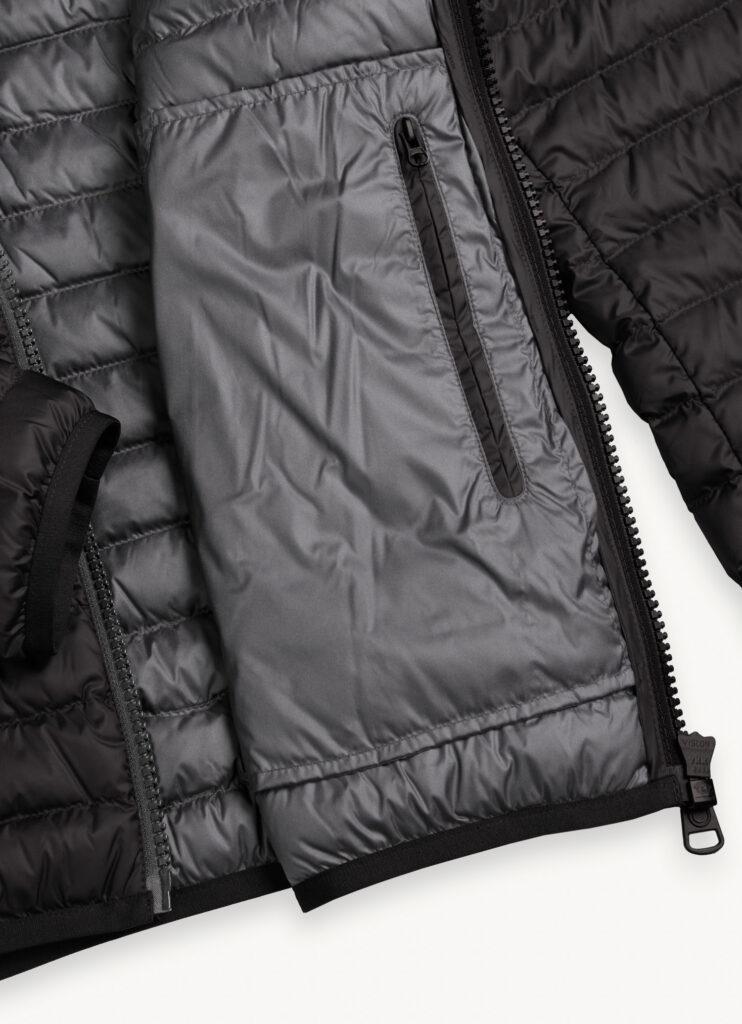 Dettaglio tasca interna piumino leggero Colmar 742x1024 - Colmar piumini leggeri 100 grammi uomo autunno inverno 2020 2021