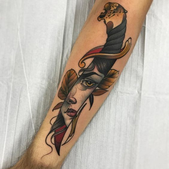 Tattoo Pugnale con volto di donna - Tatuaggio Uomo Pugnale: Immagini e Significato
